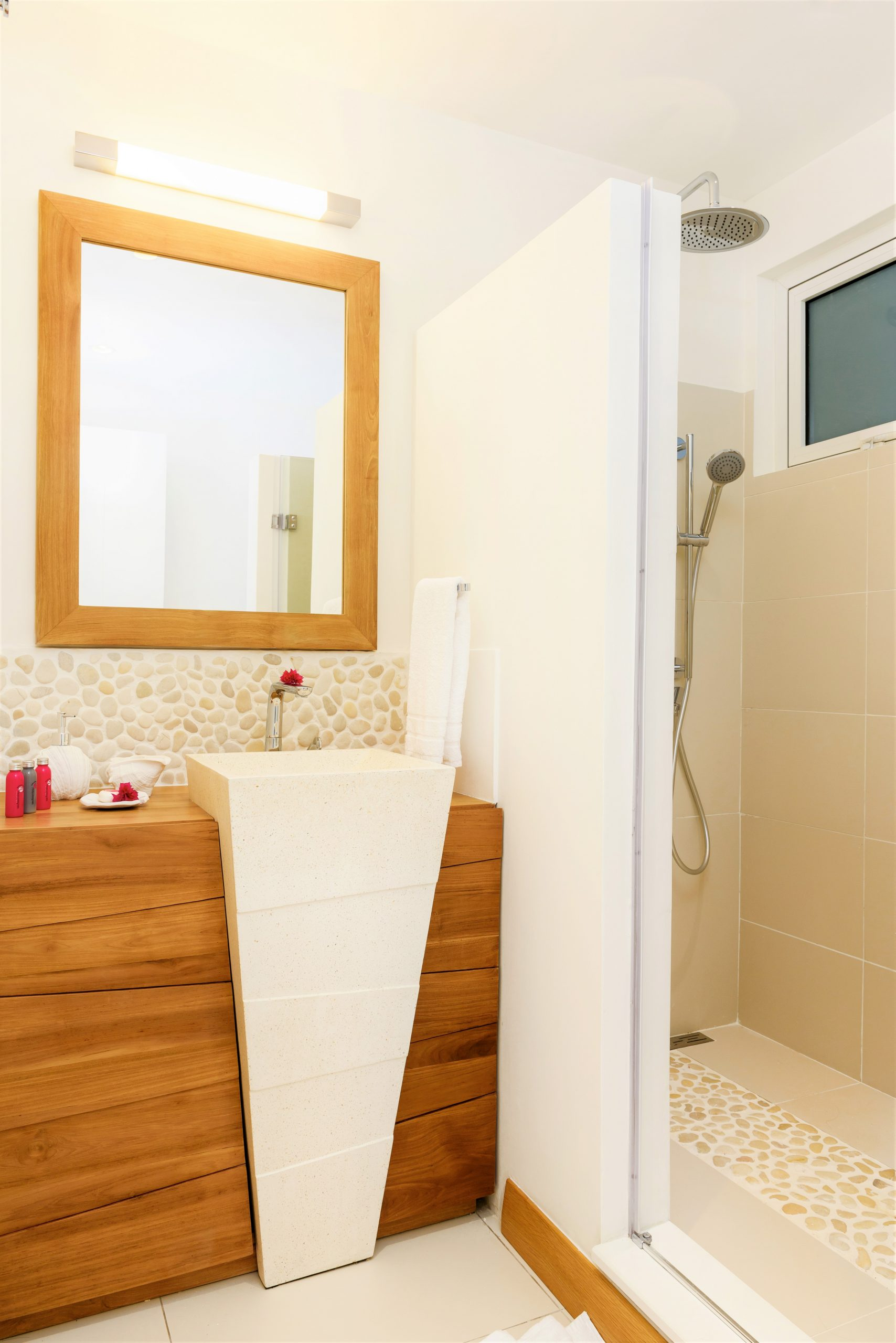 Myra-Seafront-Suites-Penthouses-SUITE-Bathroom-2-scaled.jpg